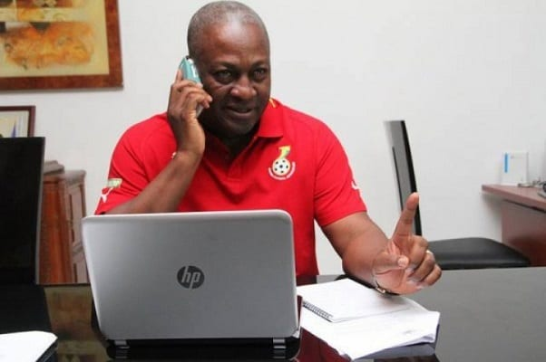 VIDEO: Fmr President Mahama cools off with music