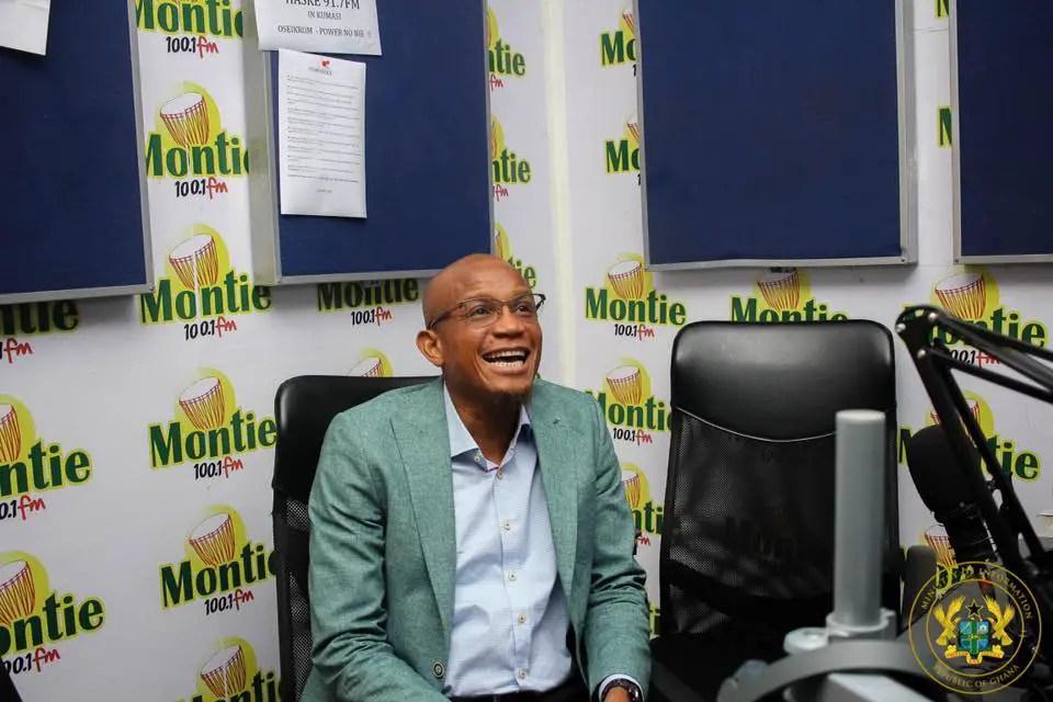 Information Minister, Deputies Storm Montie FM
