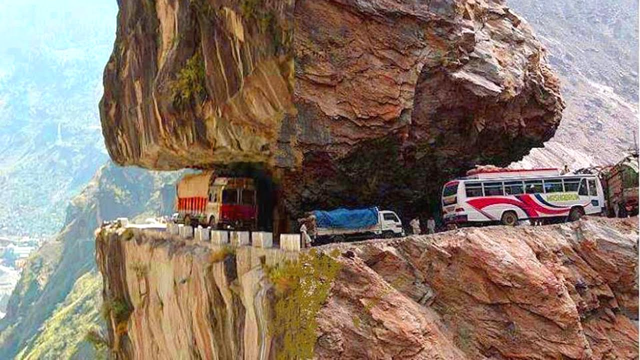 PHOTOS:Seven of the world's riskiest roads