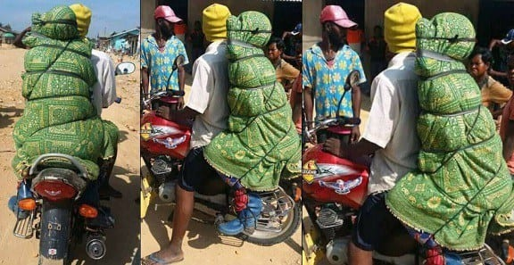 PICTURES:Carrying corpse on motorbikes a lucrative business in DR Congo