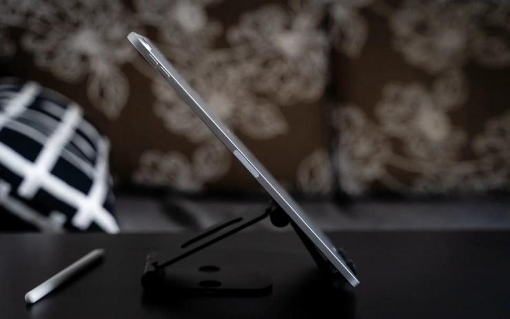iPad Pro 11 side