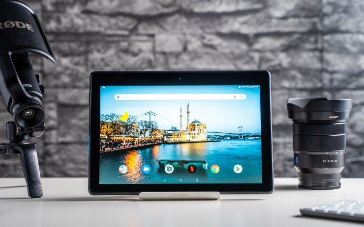 Lenovo Tab E10 Review: How Usable Is This Cheap 10-Inch Tablet