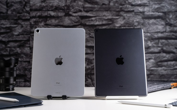 iPad Air vs iPad Pro back