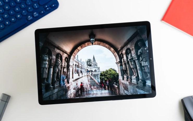 Samsung Galaxy Tab S5e with AMOLED screen