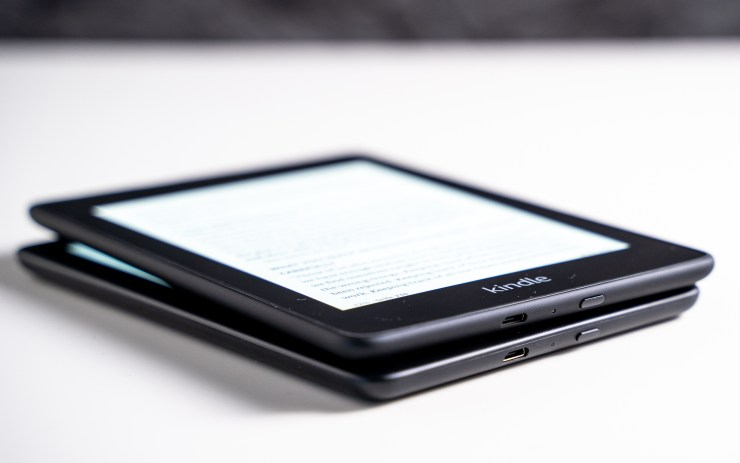 Amazon Kindle vs Paperwhite microUSB
