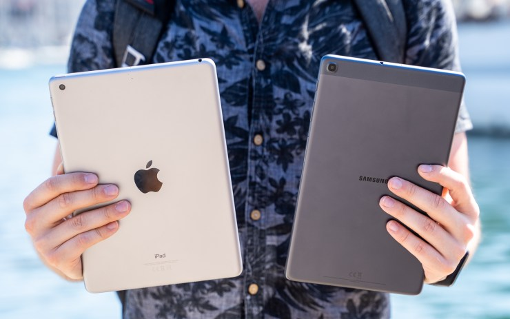 iPad vs Galaxy Tab A 2019