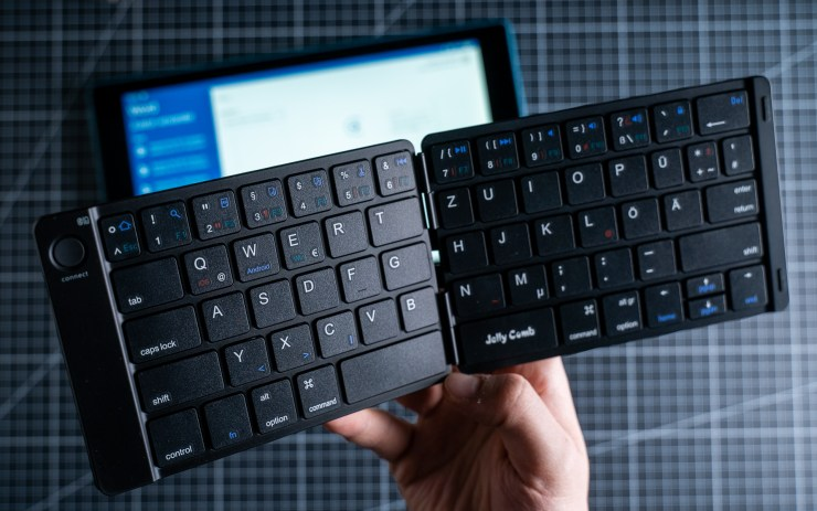Amazon Fire HD 10 with Jelly Comb Keyboard