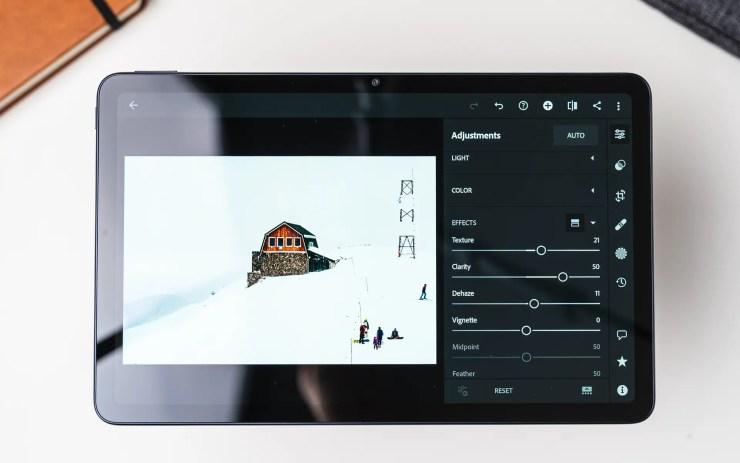Huawei MatePad 10.4 with Lightroom