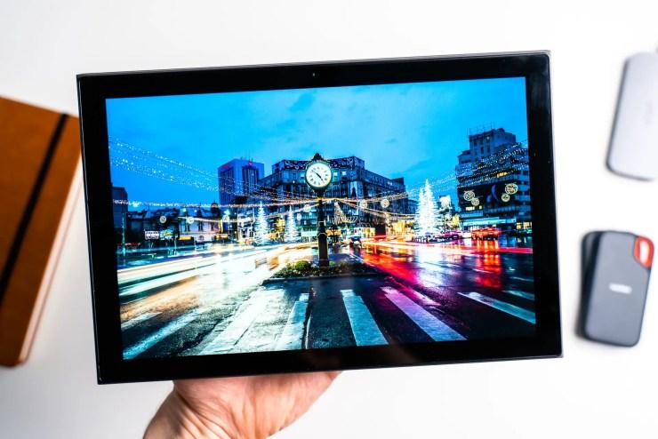 Lenovo IdeaPad Duet 3i display