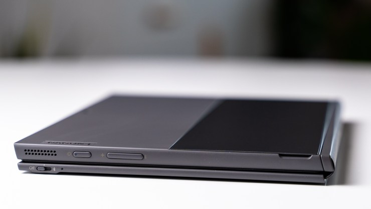 Lenovo Yoga Duet 3i USB C ports