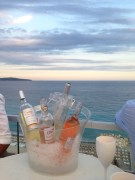 Nice vue du bord de mer depuis le toit-terrasse du Radisson