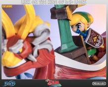 the_legend_of_zelda_link_on_king_of_red_lions_statue_11