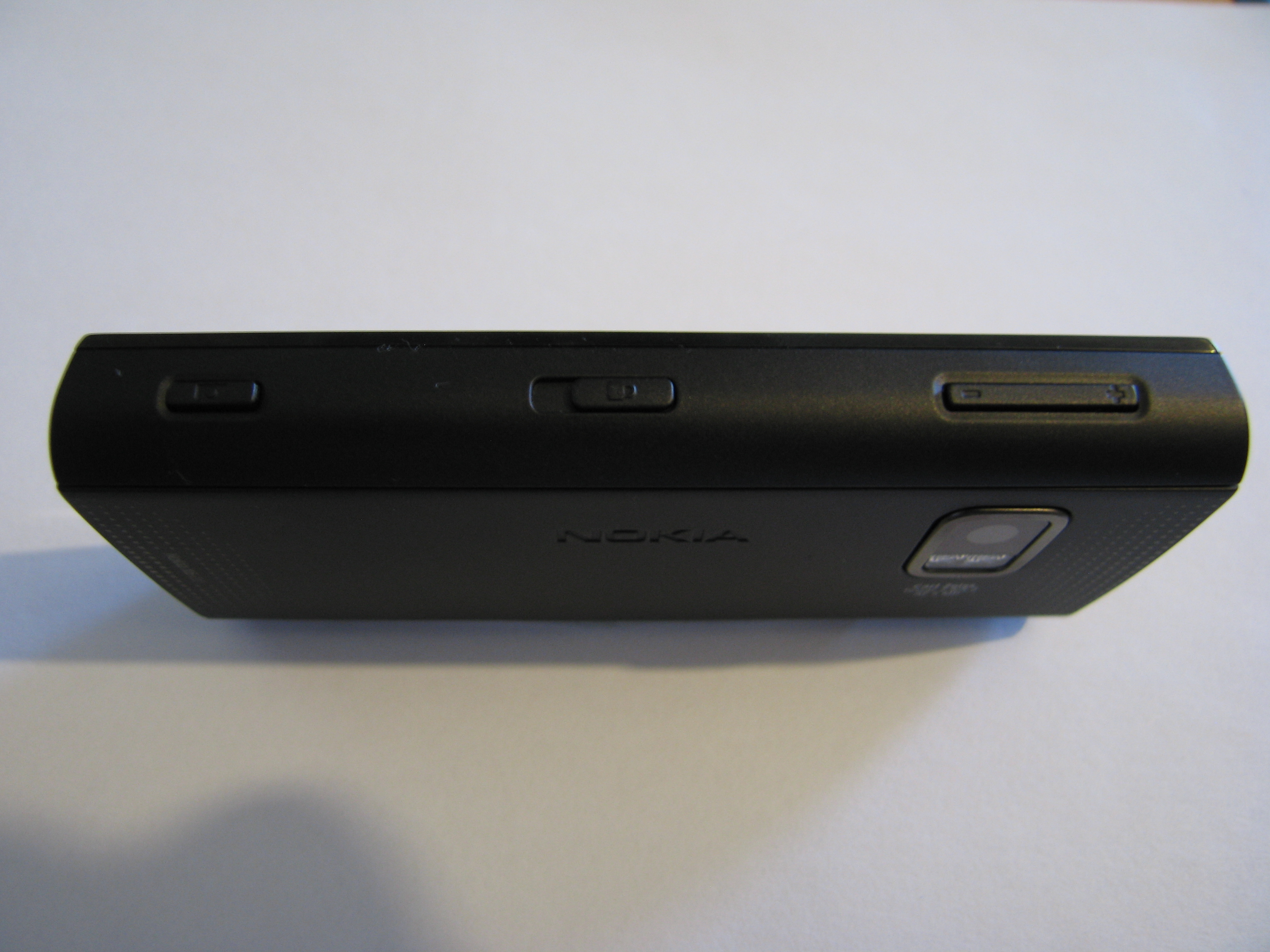 Nokia X6 – Side Right