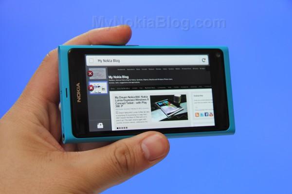Firefox demoed on the Nokia N9(1)