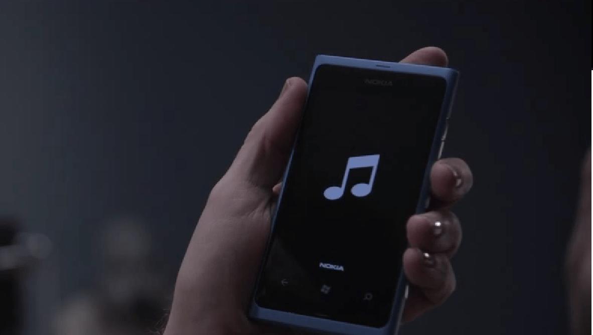 Lumia 800 Blue