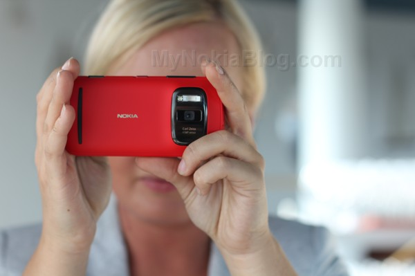 Red Nokia 808 PureView(53)