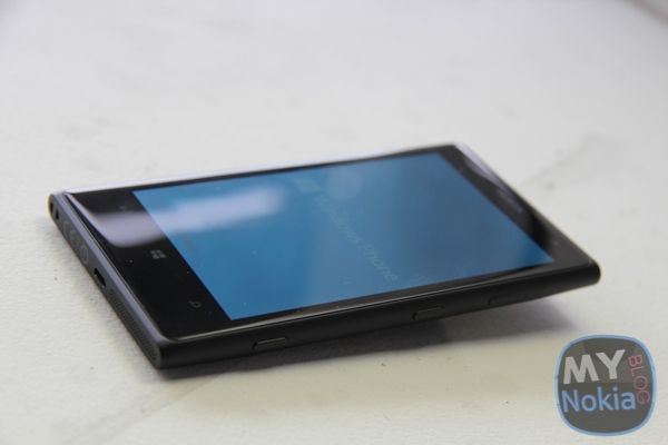 MNB IMG_0453Nokia Lumia 1020 black