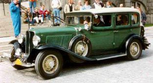 1932 Auburn 8 100A Custom 4 Dorrars Sedan
