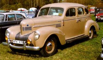 1939 Chrysler Royal C-22 4-Door Sedan