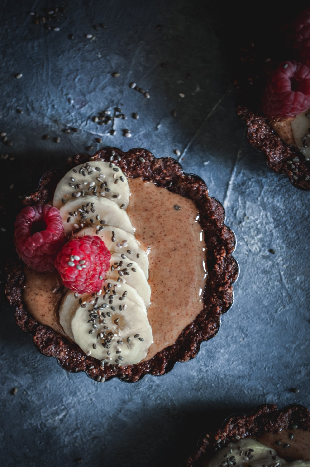 raw-almond-butter-vegan-tarts-5