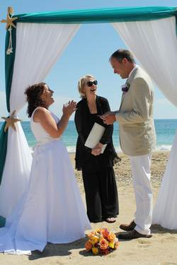 Outer-Banks-Wedding-Minister-Amy-Aaron