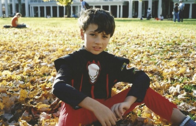 POWER RANGER TATE ON THE LAWN AT UVA...WHO KNEW THAT 11 YEARS LAETR HE WOULD BE WALKING THIS LAWN TO CLASS!