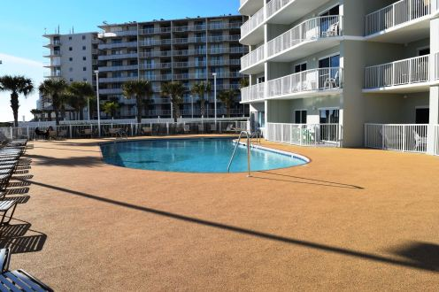Tradewinds Condo Pool Deck