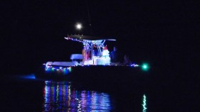 2014_Christmas_Lighted_Boat_Parade_Pictures_09