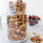 DATES & NUTS GRANOLA