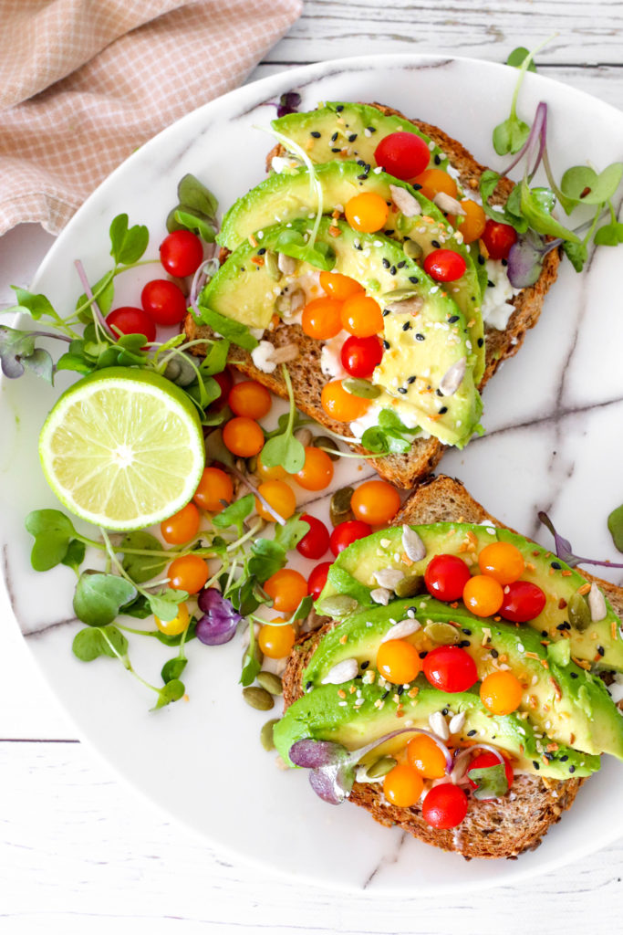 Creamy avocado toast - favorite easy lunch for everyday.