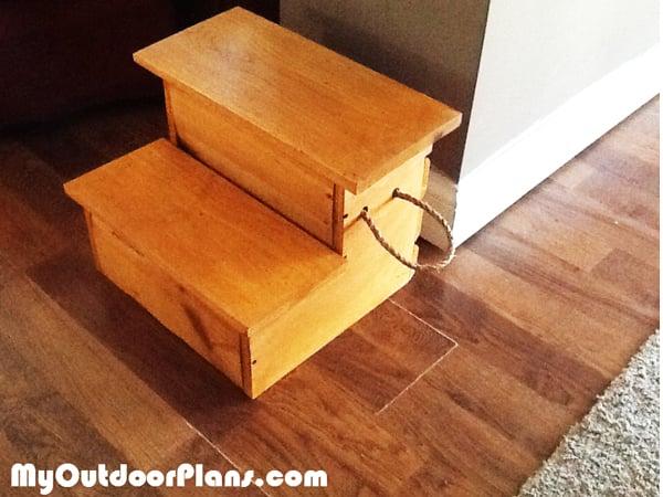Diy Storage Step Stool Myoutdoorplans Free Woodworking