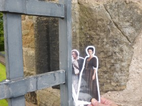 Jamie and Claire at Falkland Palace