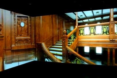 3D tour through the ship.