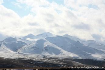 Suusamyr - Mountains ahead