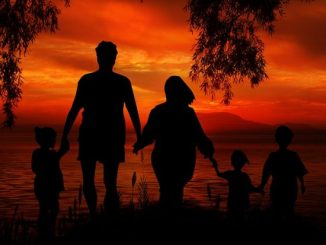 family-1466261_640