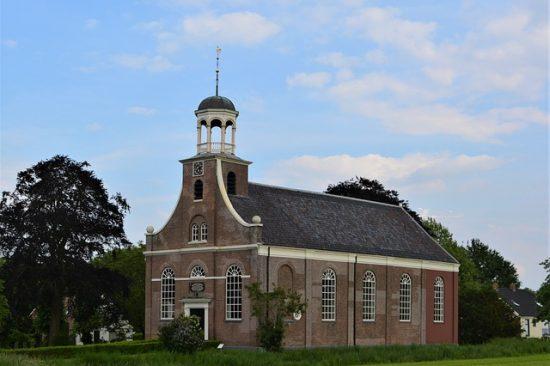 old-church-3422354_640