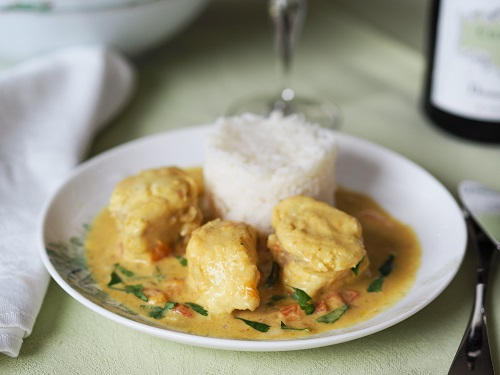 Lotte au curry et au lait de coco