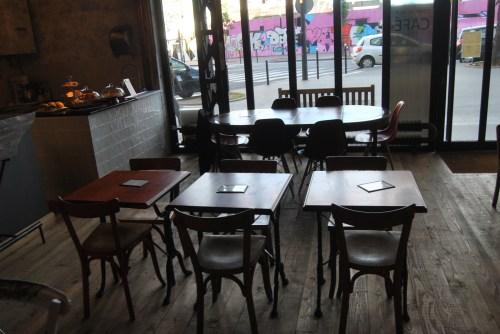 cafe lomi graffiti paris 18eme