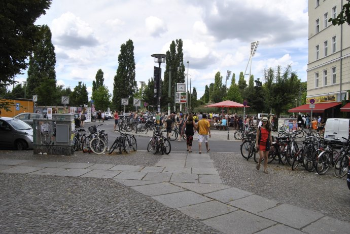 mauerpark berlin flea market2