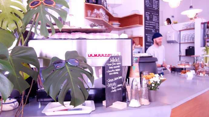 kaffeebar 19 paris canal coffeeshop