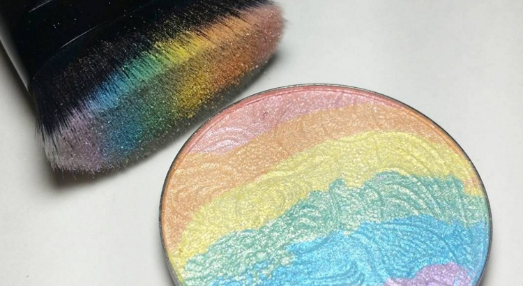 Tendance : l'highlighter rainbow
