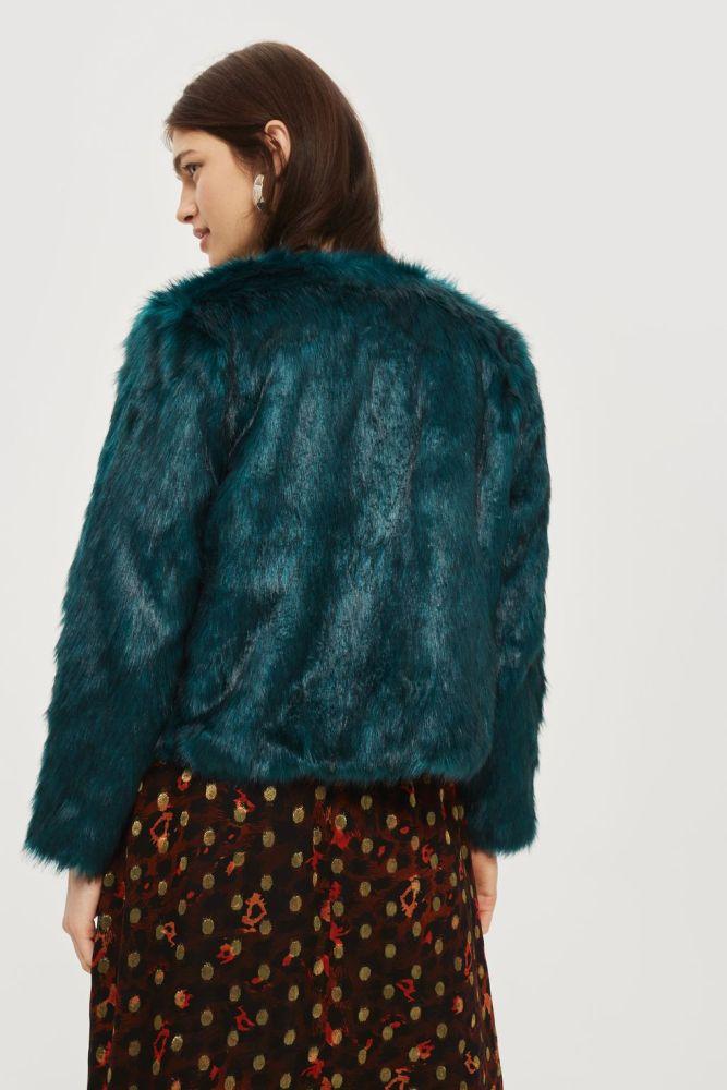 look-manteau-fausse-fourrure-shop-bleu-canard-topshop