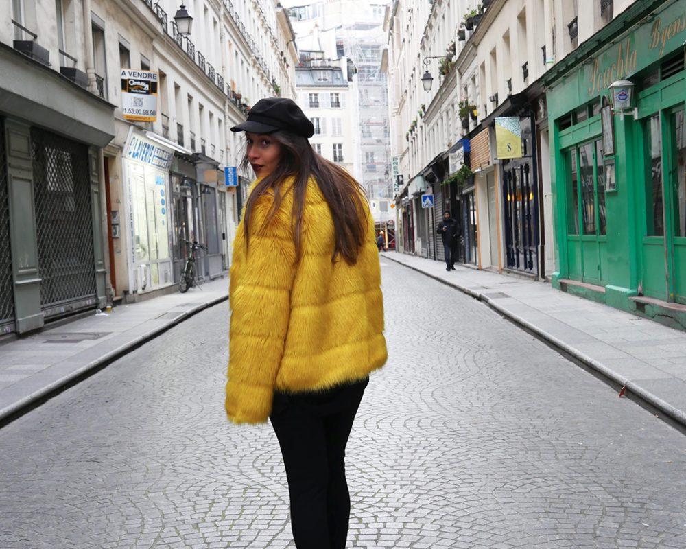 look-titi-faux-fur-jaune-dos