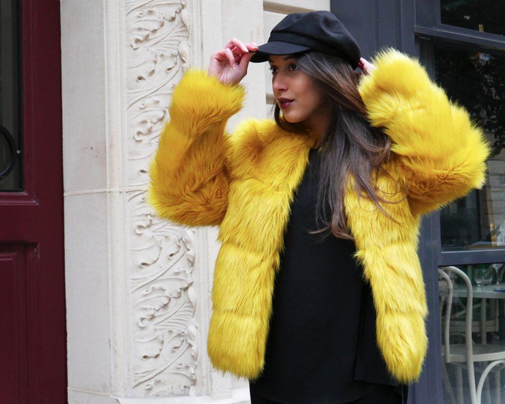 look-titi-faux-fur-jaune-outfit