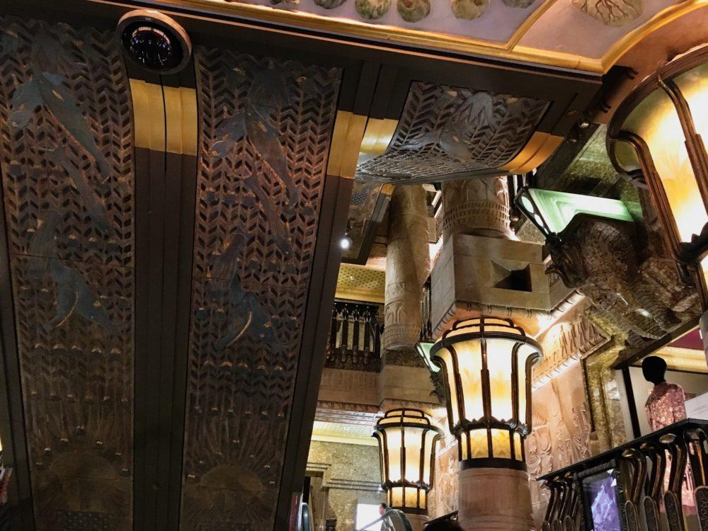 Londres-2018-Harrods-escaliers-egyptiens3