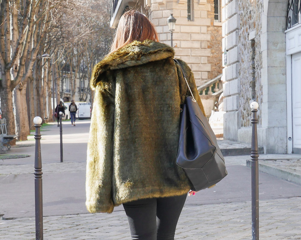 Fausse-fourrure-look-hiver-col-back