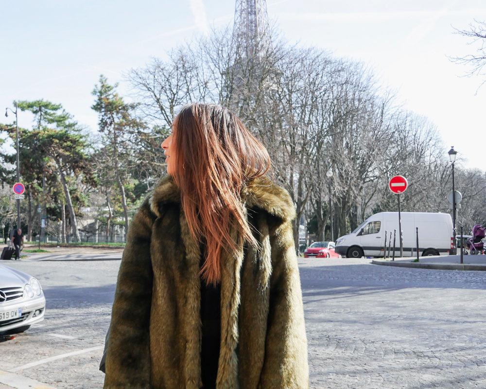 Fausse-fourrure-look-hiver-profil-tour-eiffel