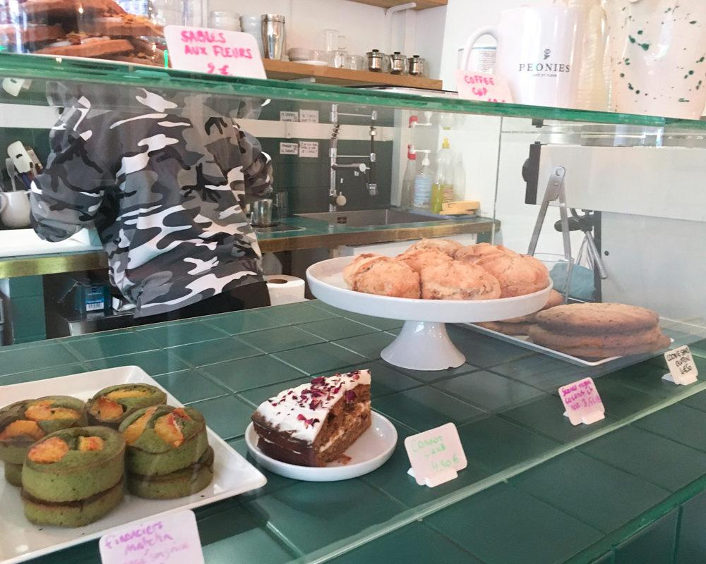 peonies-cafe-fleurs-paris-comptoir