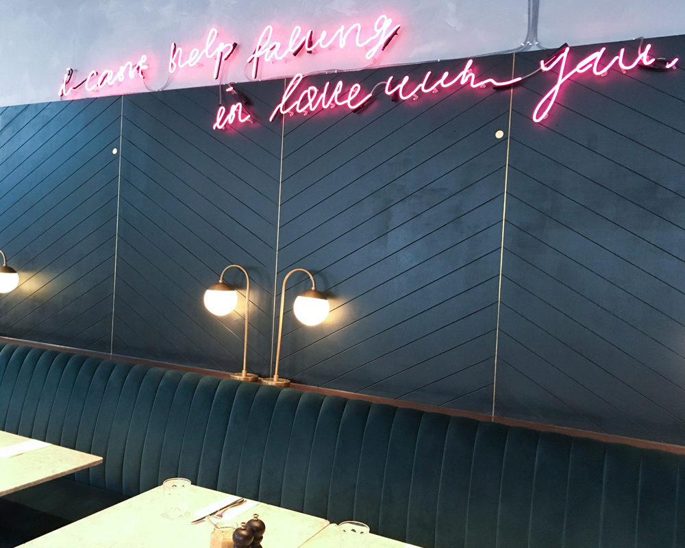 instagram-reality-london-food-mauvaises-adresses-grind-deco-neon