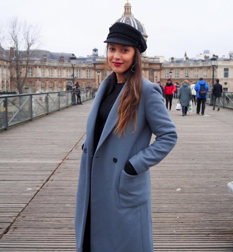 look-manteau-hiver-2020-style-parisien-casquette-marin